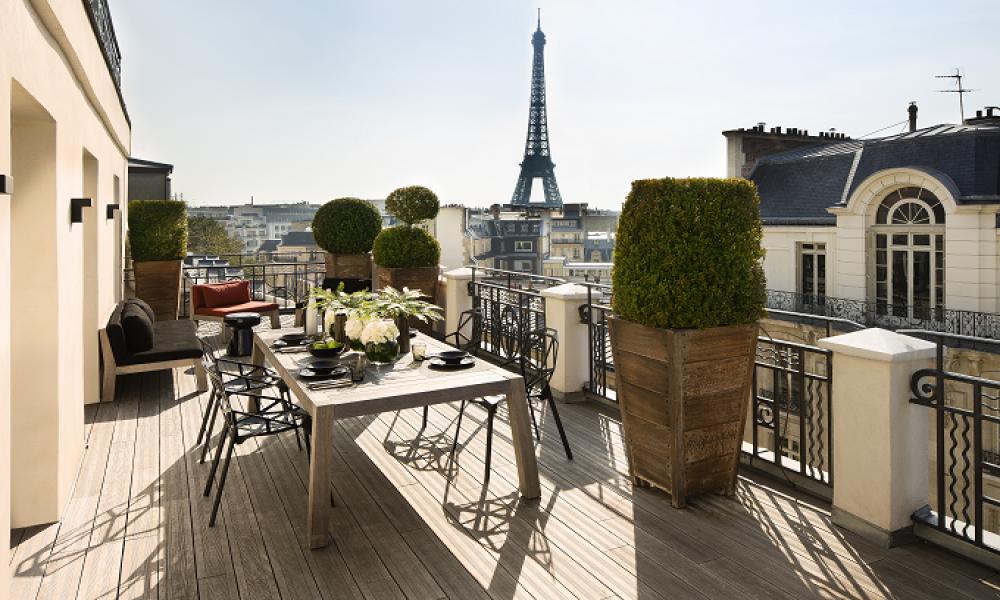 Terrasse vue sur le Tour Eiffel Marignan Paris
